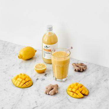frau-ingwer-mango-ingwer-smoothie
